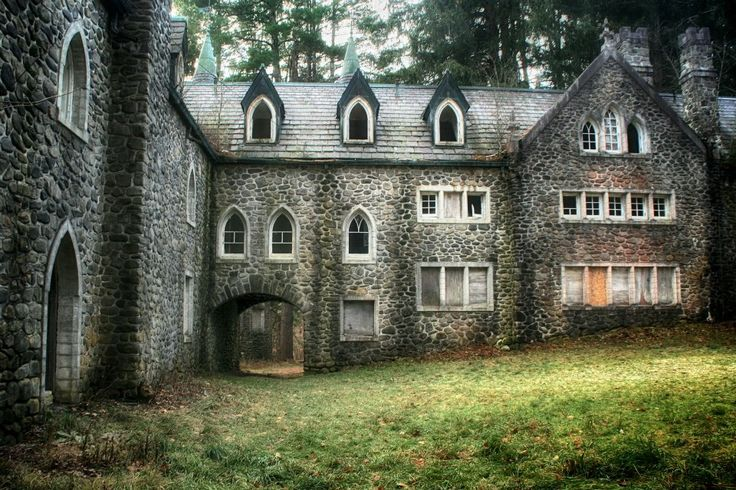 Upstate new york abandoned castle forgotten in time for Abandoned mansions in new york for sale