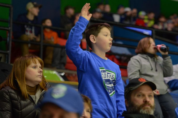 Tina Russell / Observer-Dispatch Utica Comets fans cheer on the Comets as they play against the San Antonio Rampage during AHL hockey at the Utica Memorial Auditorium Thursday, Jan. 1, 2015.  Read more: http://www.uticaod.com/apps/pbcs.dll/gallery?Site=NY&Date=20150101&Category=PHOTOGALLERY&ArtNo=101009998&Ref=PH&taxoid=&refresh=true#ixzz3Ndfd7JsS