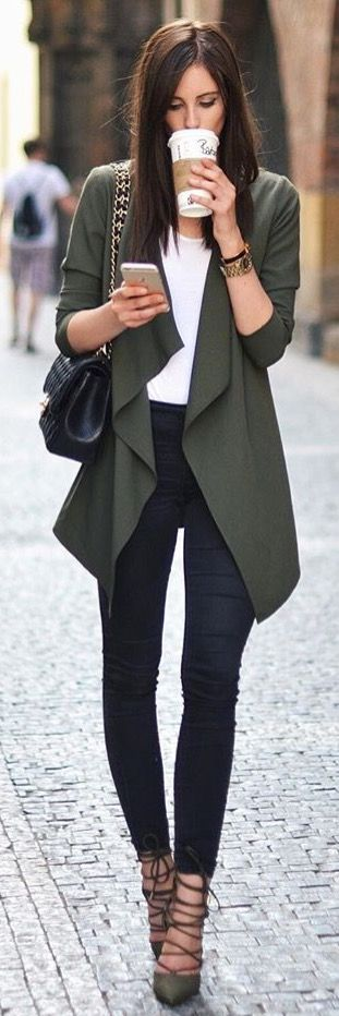 I like the cut of the jacket and the colors!