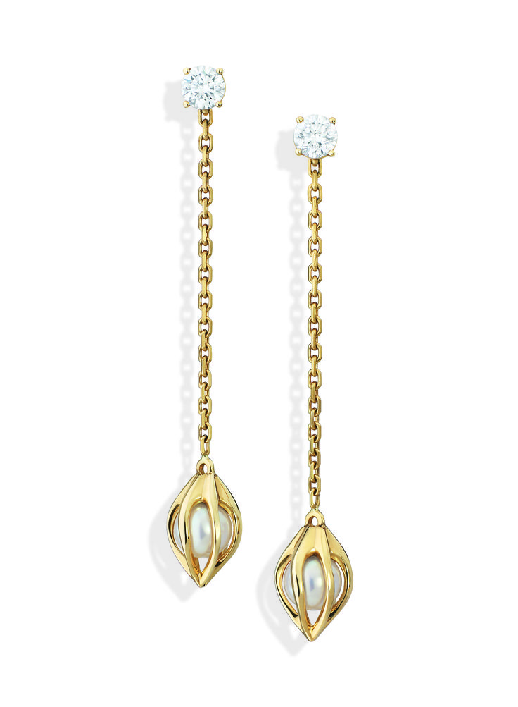 Yellow gold, diamonds and pearls Bourgeon Earrings by Mellerio dits Meller #MellerioinLove #valentinesday #Vdaygiftguide #giftguide #jewellery