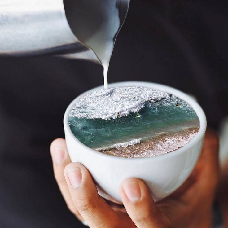Good Morning #oceanlovers! Enjoy a cup of coffee - but don't forget: Less than 1% of takeaway coffee cups get recycled.  What's your experience with plastic during your vacation? Win a plastic free starter kit by sharing your photo and tag it with @oceanfilmtour and #dontwasteyoursummer #banplastic #plasticdetox #dontwasteyoursummer #oceanfilmtour : @thejonnysmith