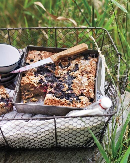 August IS National Picnic Month, ya know... Oat Cake with Blueberries and Blackberries Recipe! #picnicperfect
