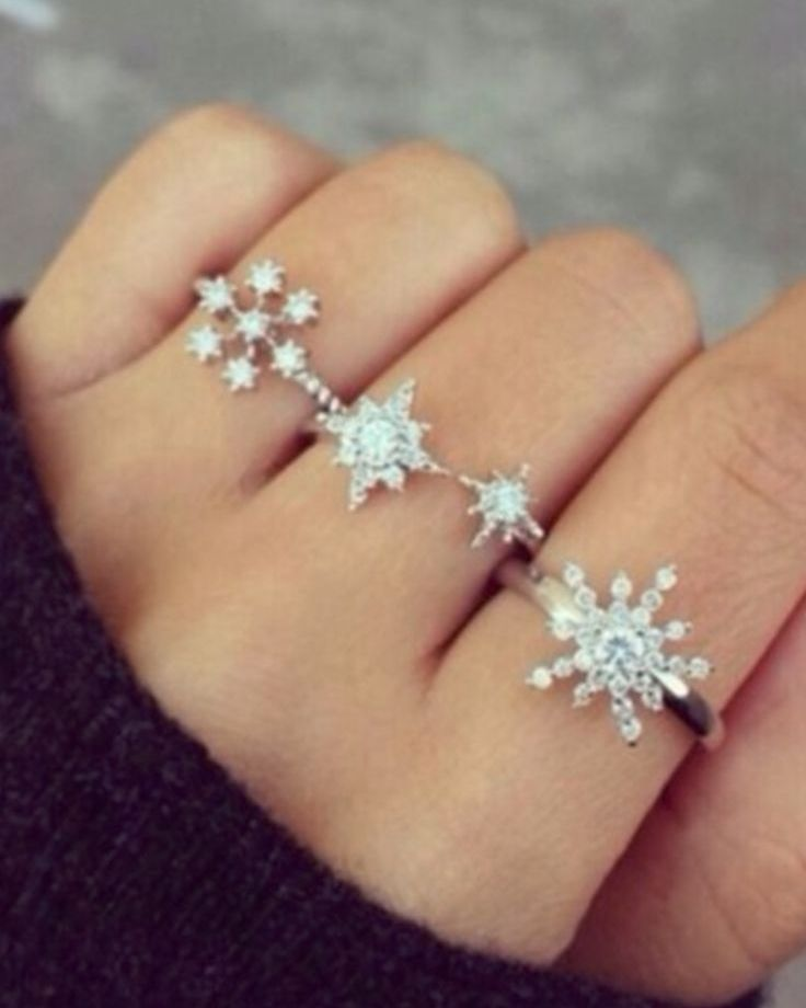 Snowflakes Rings Idea for Engagement and Weddings
