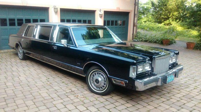 Classic 1986 Lincoln Town Car For Sale 1857098 10 500 Alpine New Jersey 1985 Lincoln Town Car Limousine Fam Lincoln Town Car Cars For Sale Celebrity Cars