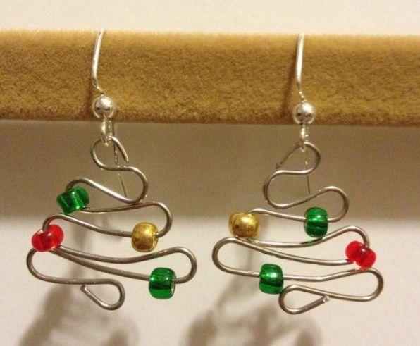 DIY kerstboom oorbellen | By KaRo - Sieraden Maken