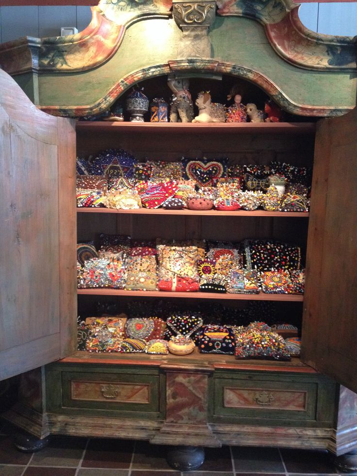 """""""Cabinet de curiosité """" nipsenåle"""