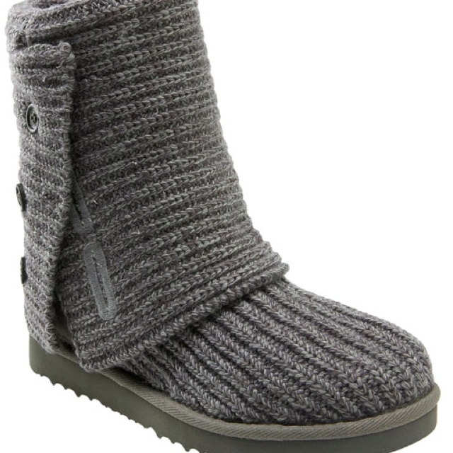 knit uggs without buttons