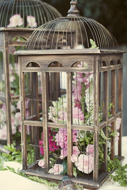 I need to do something with my beautiful birdcage......and now I want more!!! Wedding birdcage