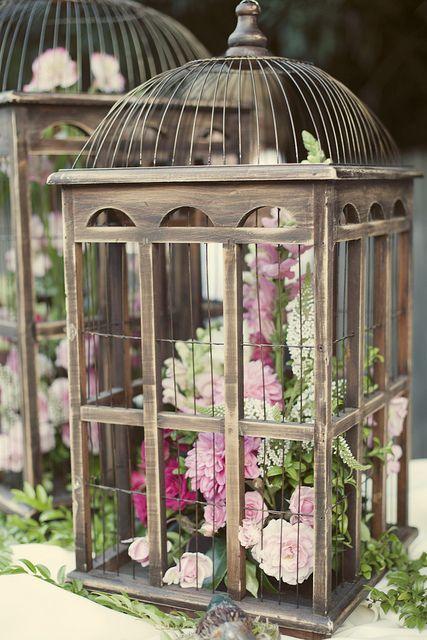 Avec de jolies fleurs à l'intérieur
