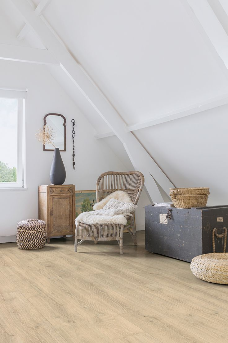 Quick-Step Majestic 'Woodland oak beige' (MJ3545) in a country bedroom. To find more bedroom inspiration, visit our website: http://www.quick-step.com. #chambre #dormitorio