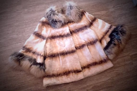 ^^^ Free international shipping ^^^    A brand new handmade gold-whitemink fur coat with fox collar. It is lined with inner lining and has inner hooks