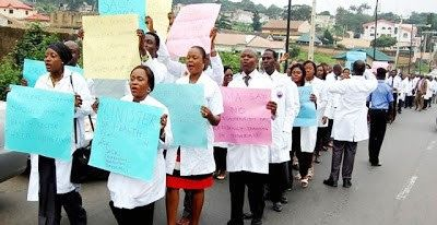 Just in: Federal Government sacks striking resident doctors.   Resident Doctors  The Federal Government has ordered the sack of striking resident doctors in the country.  The Minister of Health Isaac Adewole in a circular signed by Amina Shamaki permanent secretary of the ministry directed chief medical directors (CMDs) and medical directors (MDs) of FG tertiary health institutions to fill the vacancies created by resident doctors who have abandoned their programme.  Resident doctors in…