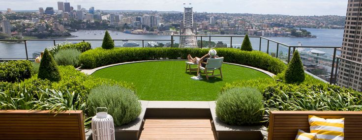 The ultimate secret garden. Hidden over 25 floors above the city this green sculptured rooftop garden sits in the middle of skyscrapers. Buxus hedging and topiary cones add a formal element whilst iris and lavender create a whimsical effect. Timber seating frames the garden providing a place to sit and enjoy the garden and the amazing harbour views.