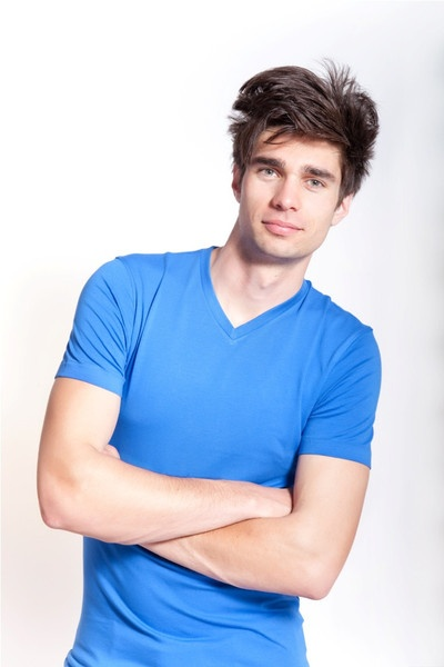 V Neck Blue. Lycra/Organic Cotton mix. Off-Duty essential. Order online: http://www.el-capitano.com/collections/tees/products/v-neck-blue