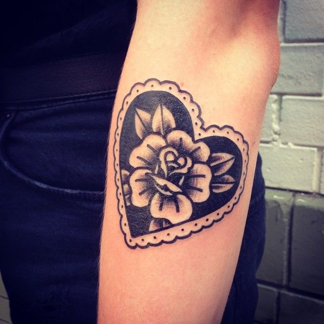 Love traditional style #tattoos, this is super cute and simple.