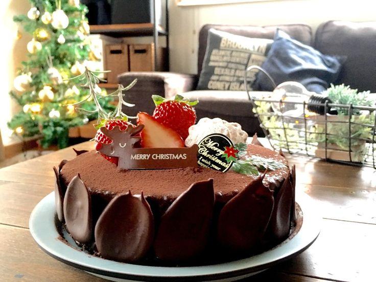 お家でプロが作ったような本格的なザッハトルテ(チョコレートケーキ)が、見た目以上に簡単に作れるレシピです。甘さは意外と控えめ。しっとりしたチョコレートケーキにお好みでアプリコットジャムをサンドしても美味しいですよ^ ^