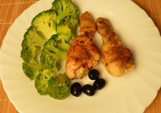 Broccoli cu pulpe de pui şi curry