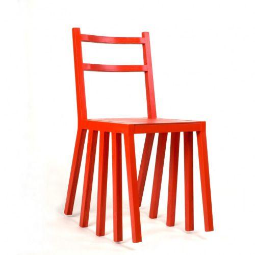 신발 신은 의자 / 열두 다리 록킹 체어 Ku Dir Ka by Paulius Vitkauskas A rocking chair with ten legs perfectly aligned for a smooth ride.