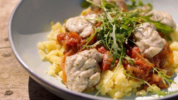 Eén - Dagelijkse kost - gegrilde zeeduivel met tomatenchutney en geplette aardappelen | Eén