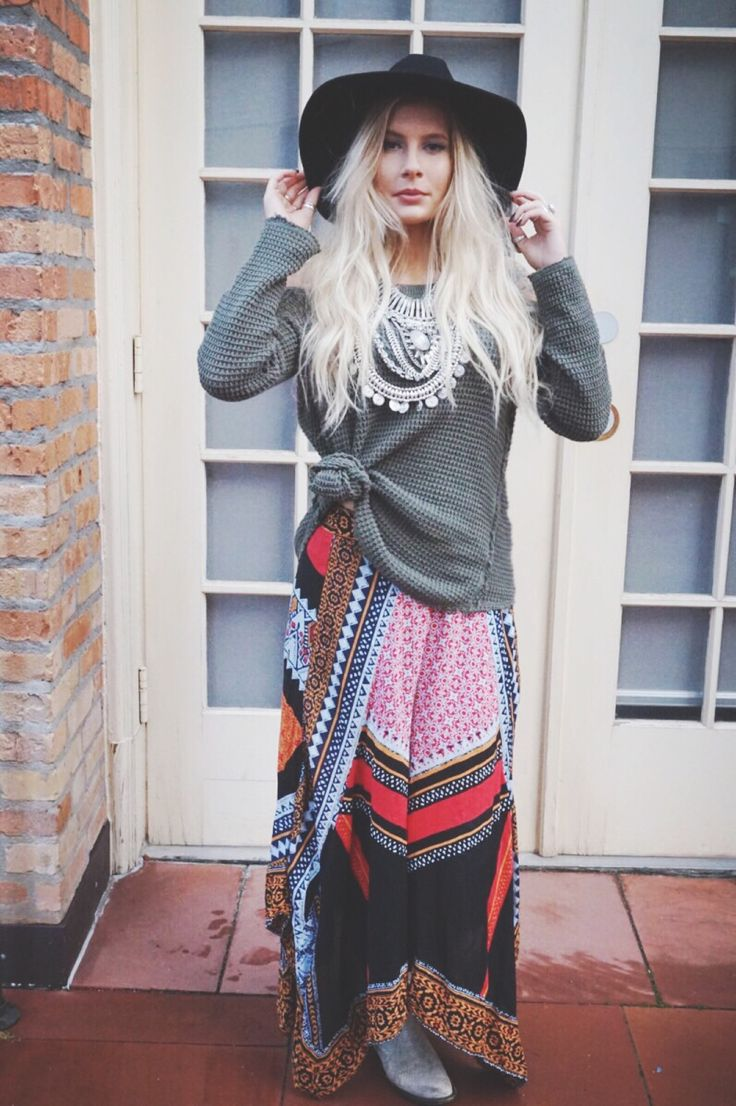Free People : bohemian chic perfection / prints / winter trends / statement jewelry / silver necklace / hats