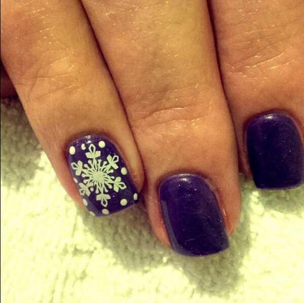 LCN #gelnails #stamping #white #purple #snowflakes #christmas #facebookgetnailedbyApril
