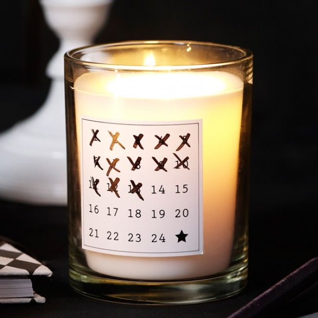 Print out the 24 days for December on a large sheet, cut out and glue them on a regular scented candles in a glass and had out as advent candles end of November. They can cross day by day the closer Christmas approaches!