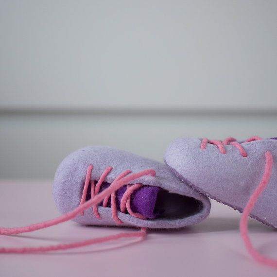 felt booties lilac baby booties  twilight booties  by MusiuMuse