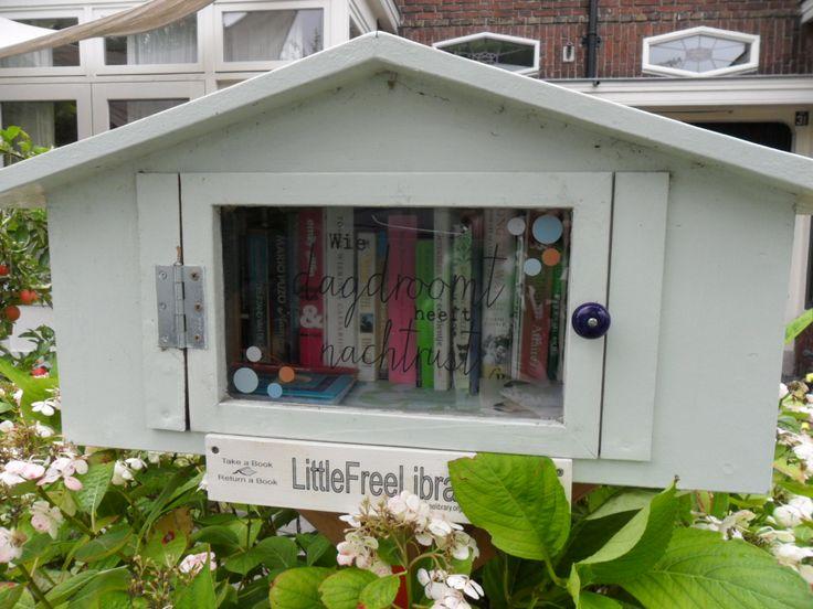 Little Free Library, Vredeman de Vriesstraat 29, Leeuwarden. 24 uur per dag open.