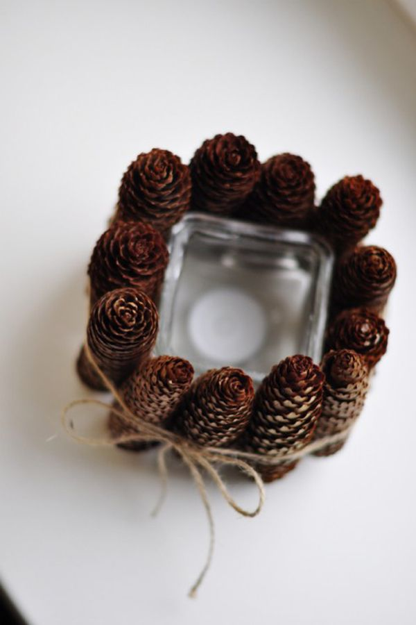 Natural candles for pleasant atmosphere. -38 Last-Minute Budget-Friendly DIY Christmas Decorations