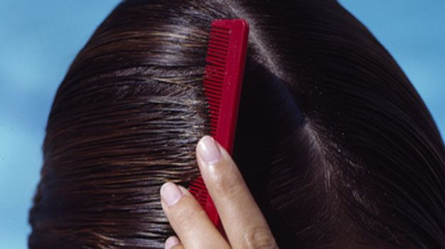How To Stop Dandruff Naturally | Gofashionate.com - Fashion Tips Beauty Tips Latest Accesories