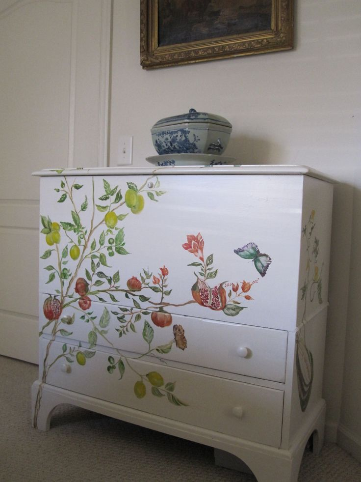 Hand painted furniture http://www.pinterest.com/sandyrowe37/hand-painted-furniture/