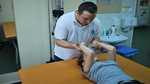 Zespół wykwalifikowanych fizjoterapeutów + opieka innych lekarzy