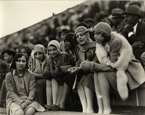 African American flappers take in a college football game in Washington, D.C., in the 1920s. Addison Scurlock Collection, Archives Center, National Museum of American History, Smithsonian Institution.
