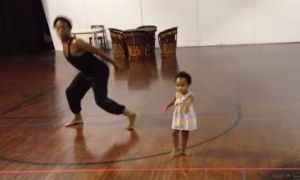 """Watch this toddler dance to Sia's """"Chandelier"""" song"""
