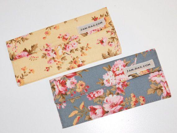 Paire de tissu argent enveloppes - Motif de Roses (jaune Beige et bleu gris foncé) - enveloppe en tissu, portefeuille de voyage, argent enveloppe, titulaire de Cash