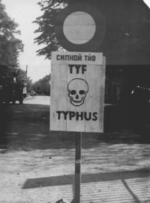 Poslední transporty a konec války v Terezíně | Holocaust