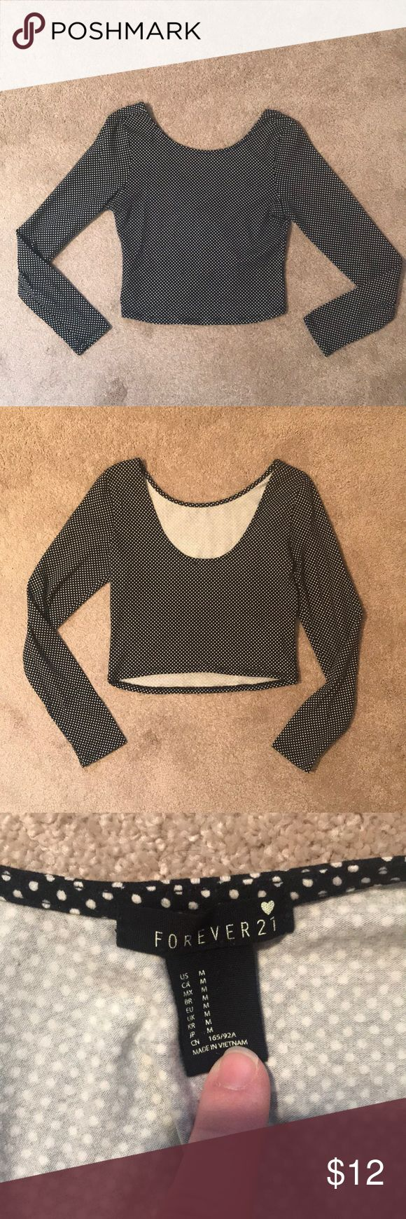 Long sleeve polka dot crop top Super cute tight fitting crop top, looks adorable with high waisted skirts Forever 21 Tops Crop Tops