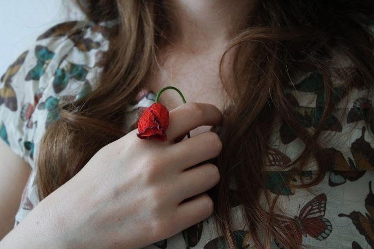 brunette wilted flower flower girls Photo - Visual Hunt