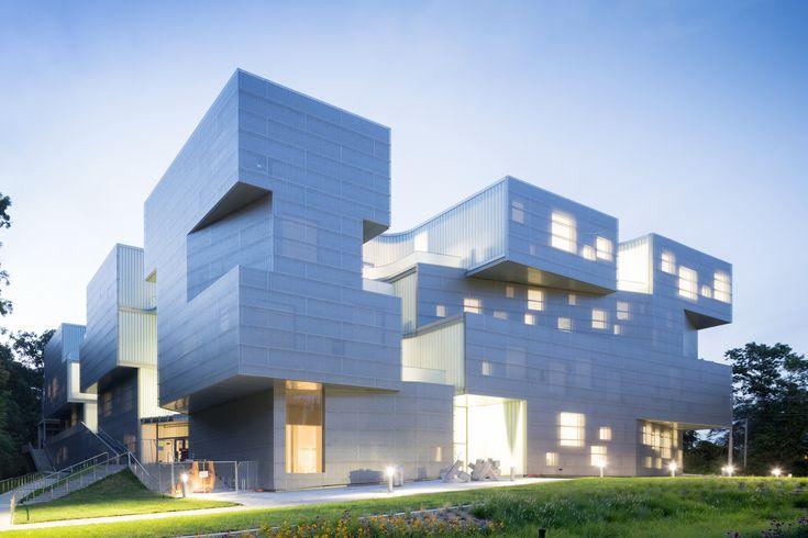Galería de Edificio de Artes Visuales en la Universidad de Lowa / Steven Holl Architects - 12