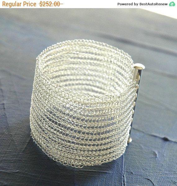 Bracelet Manchette Argent Bijoux Crochetés Faits-Main. par Yoola