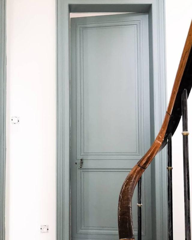 Le Badigeon Meuble De Cuisine Peinture Bois Qui Conserve Le Veinage Liberon Boiseries Peinture Meuble Bois