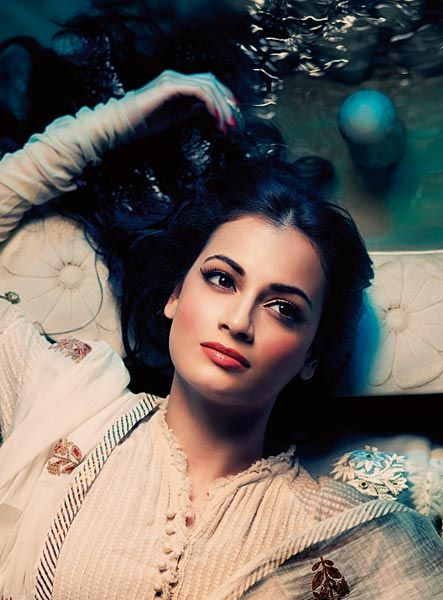 Loving Dia Mirza's look for wedding day make up! Via @indianbrides2be Note to self: must pick out more make up images of Dia Mirza's to show to make up artist