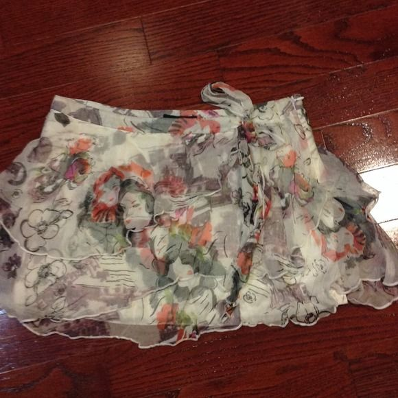 Silk True Meaning skirt Beautiful 100% silk sheer flirty skirt with lining true meaning Skirts