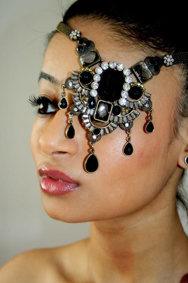 The 'eye' conic look, this neck piece has been used to create a unique vision and visually represent the multi-use of jewellery.