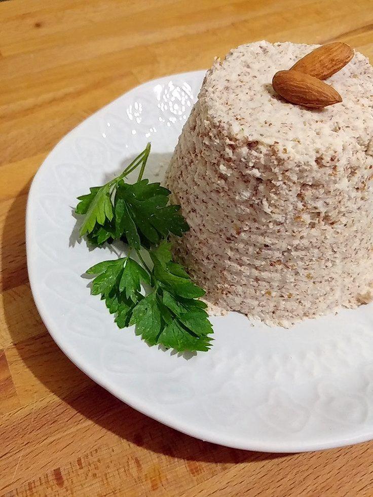 Prova a fare in casa la ricotta di mandorle, un formaggio vegetale adatto a tutti i gruppi sanguigni della dieta del Dott. Mozzi.