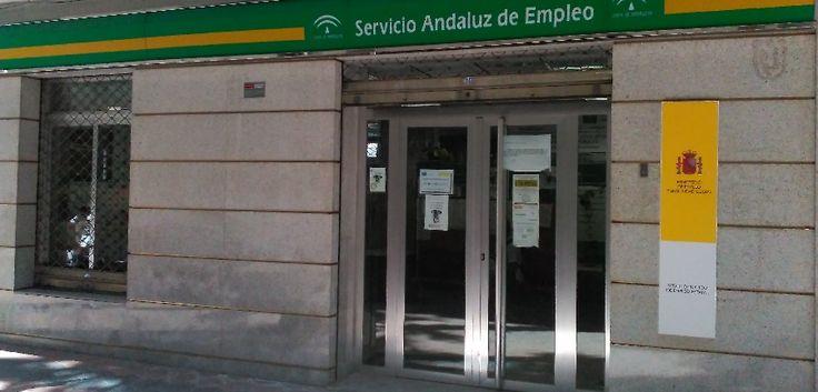 GRANADA.Según la estadística mensual publicada por el Servicio Público Estatal de Empleo, el paro ha bajado en Granada en 1.745 personas, una cifra positiva pero que maquilla