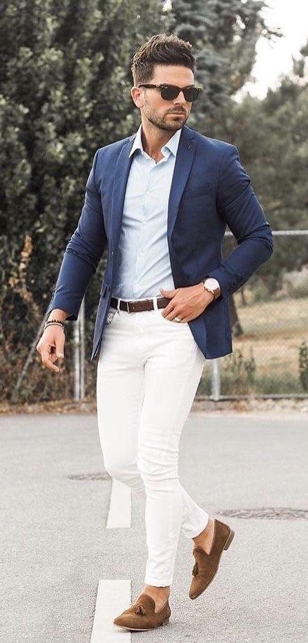 c126042b97e  nunoantunes  - with a classic business casual combo with a light blue  button up shirt