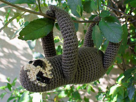 Love this sloth amigurumi! Crochet pattern by planetjune