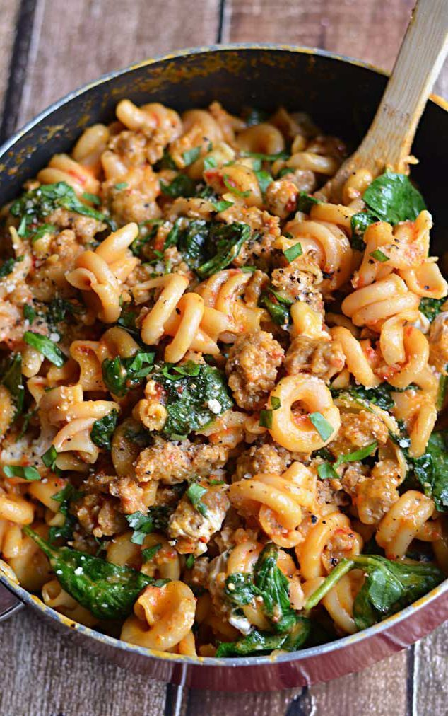 ONE-POT SPINACH. SAUSAGE. ROASTED RED BELL PEPPER. GOAT CHEESE and PARMESAN PASTA.