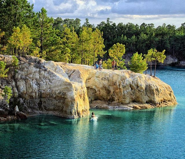 The Blue Hole An 1883 Rock Quarry Filled By A Sparkling Natural Spring In Zavalla Texas The Blue Hole Is Located On P Forest Trail Spring Nature Rock Quarries